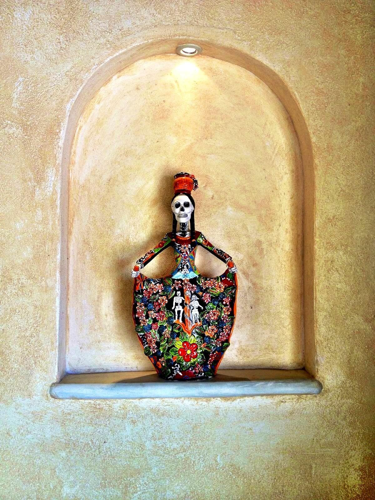 Dia De Los Muertos figurines | Villa Boda Decor | Pinterest | Sacred ...