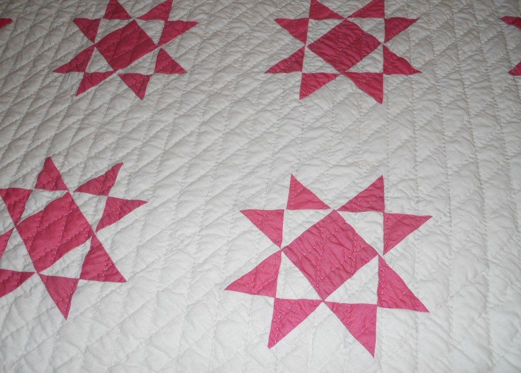 Ohio Star antique two-color quilt with a close view of the pattern ... : quilting designs for hand quilting - Adamdwight.com