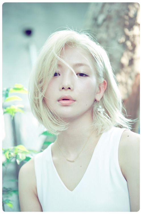 I Ve Never Seen An Asian Woman With Such Light Blonde Hair But It