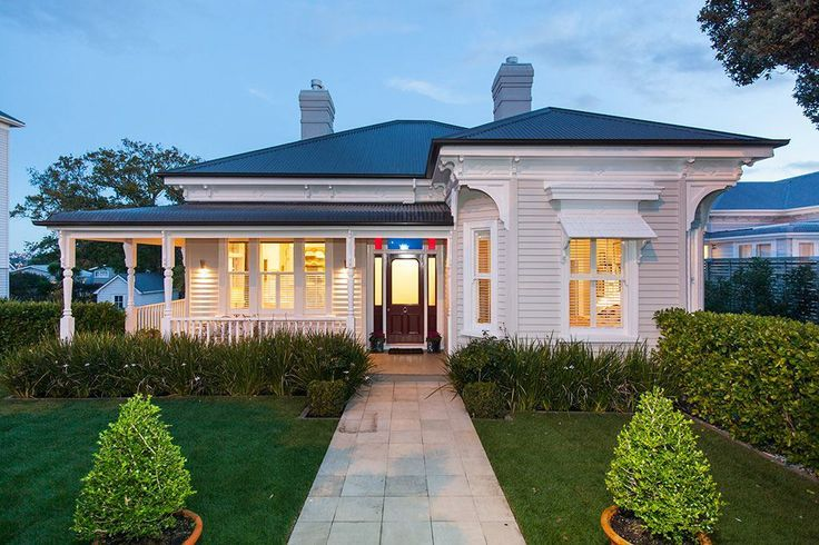 Classical return-verandah colonial villa - 288A Jervois Road ...