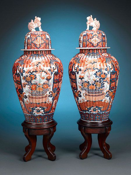 Japanese Imari Porcelain Urns This And More Important Asian Stunning Decorative Urns For Sale