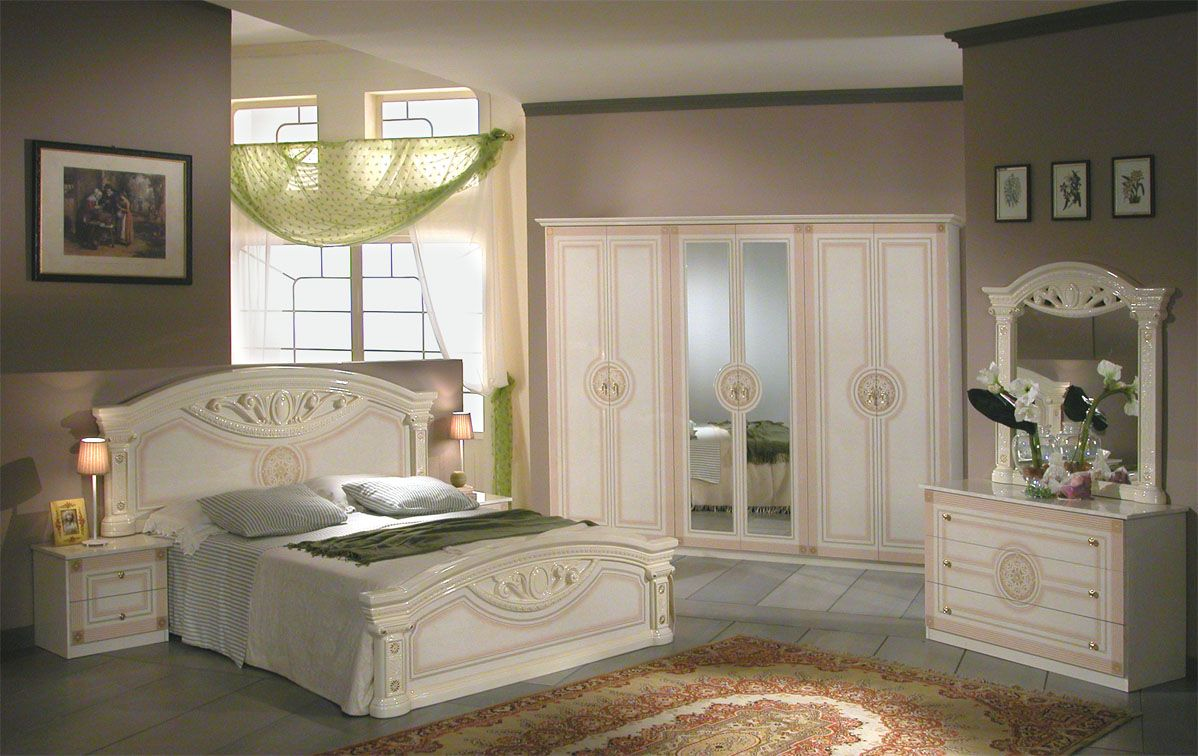 High end well known brands for expensive bedroom furniture for Best modern bedrooms