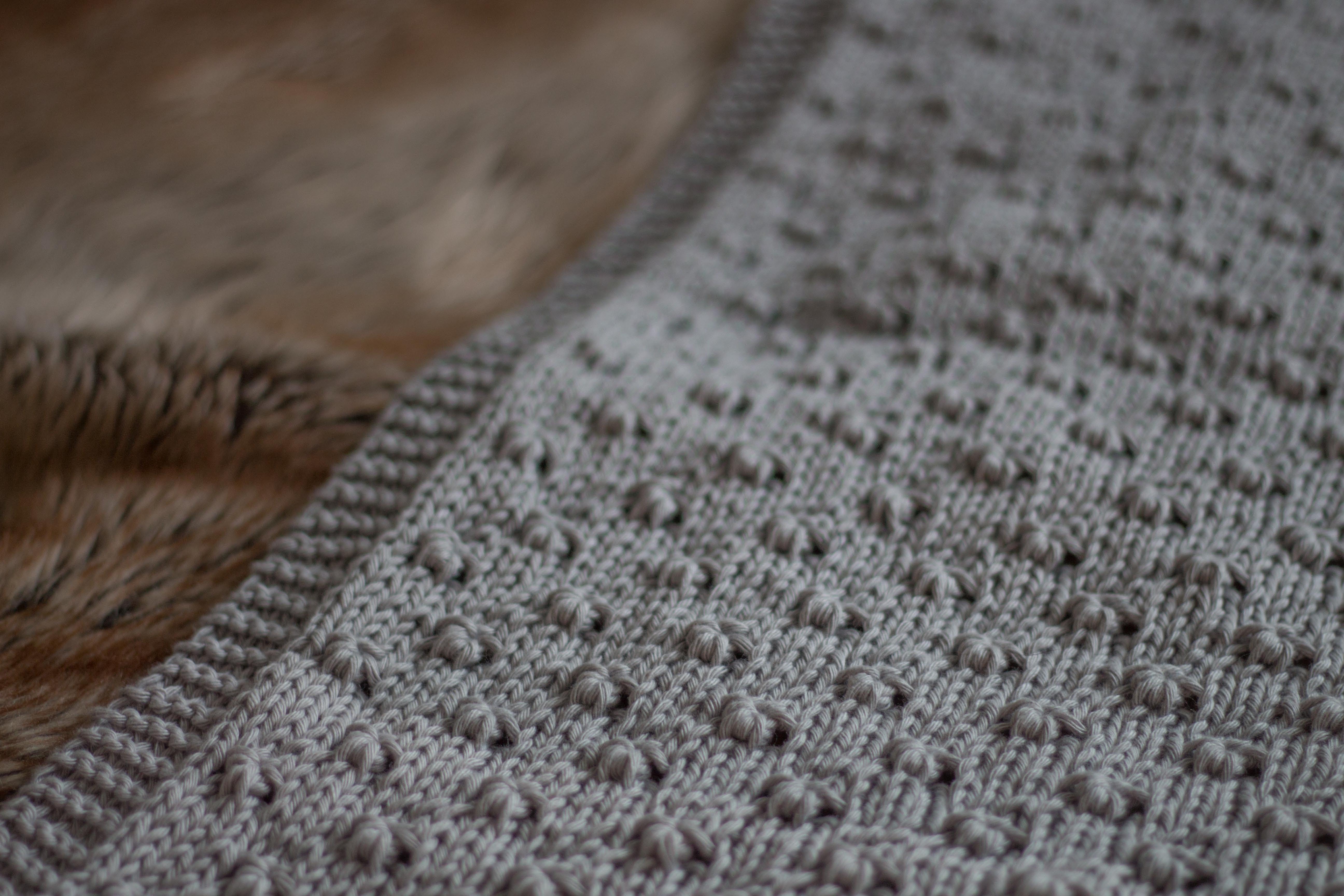 Knot stitch baby blanket - free knitting pattern | Shortrounds ...