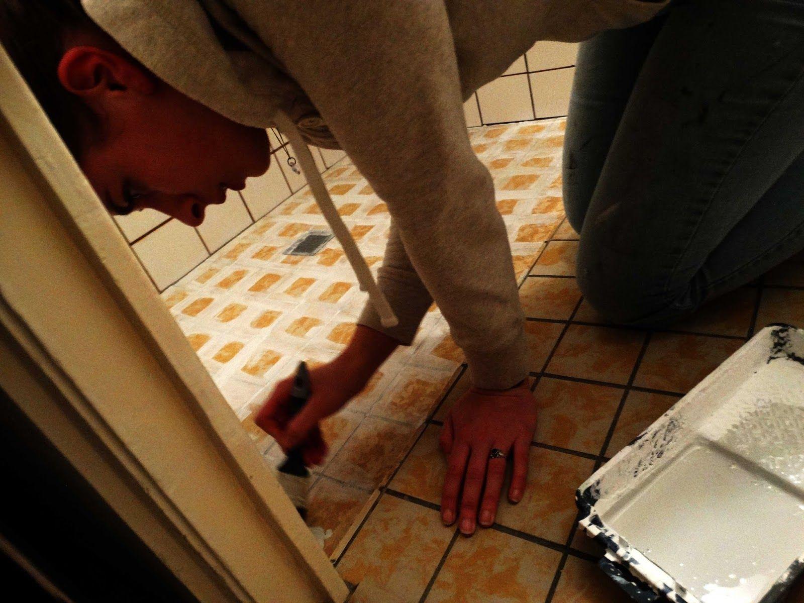 badkamer make-over vloertegels verven judits klusboek | Toilet ...