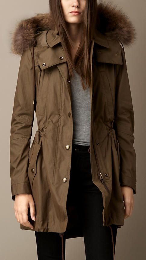 Vêtements pour femme   Burberry   Christmas Wishes   Parka, Manteau ... f3bfb28615b