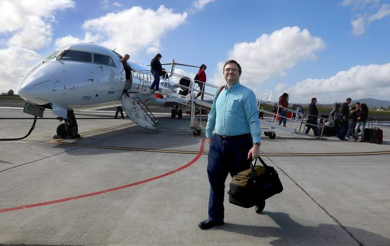 American airlines skywest starts sonoma county airport