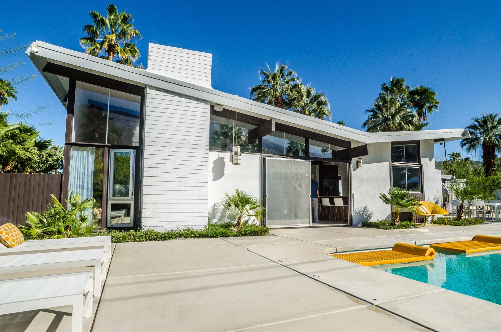 mid century modern homes - Google Search in 2020 | Palm ...