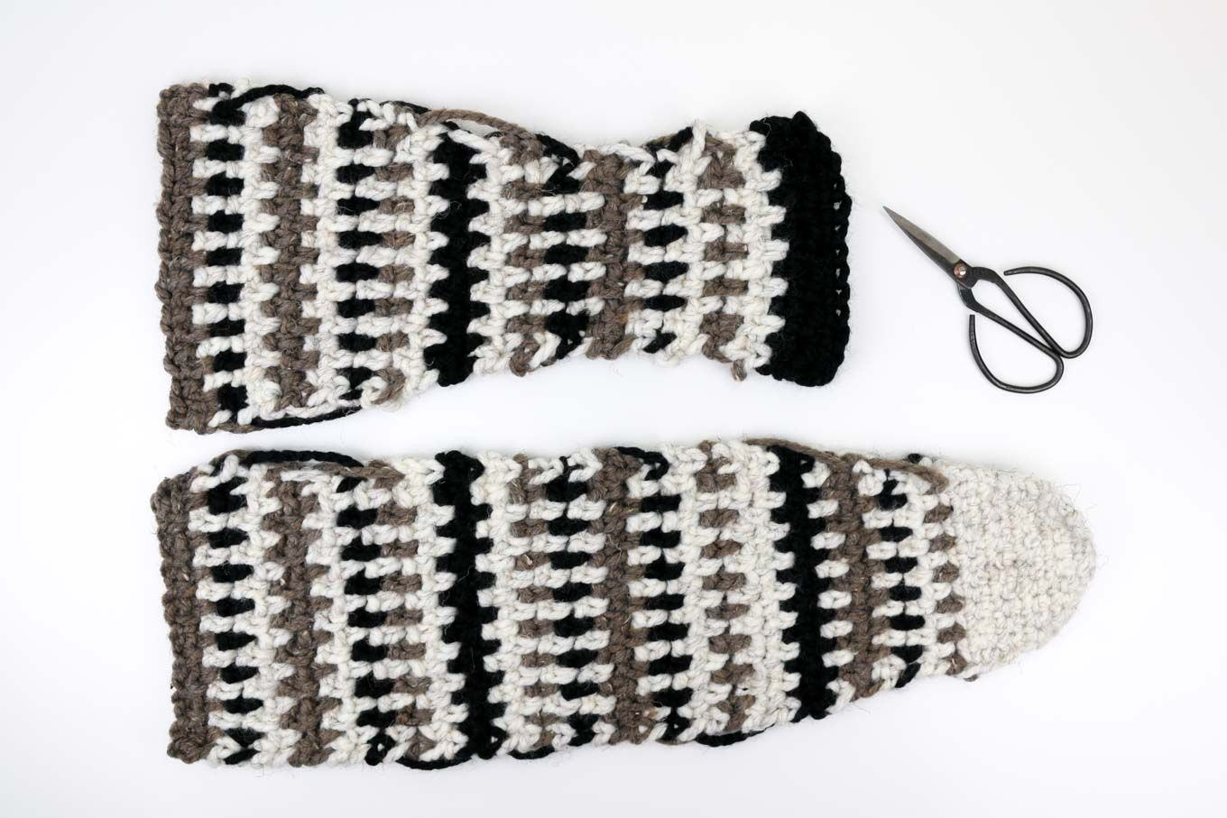 free crochet slipper pattern using Lion Brand Wool Ease Thick ...