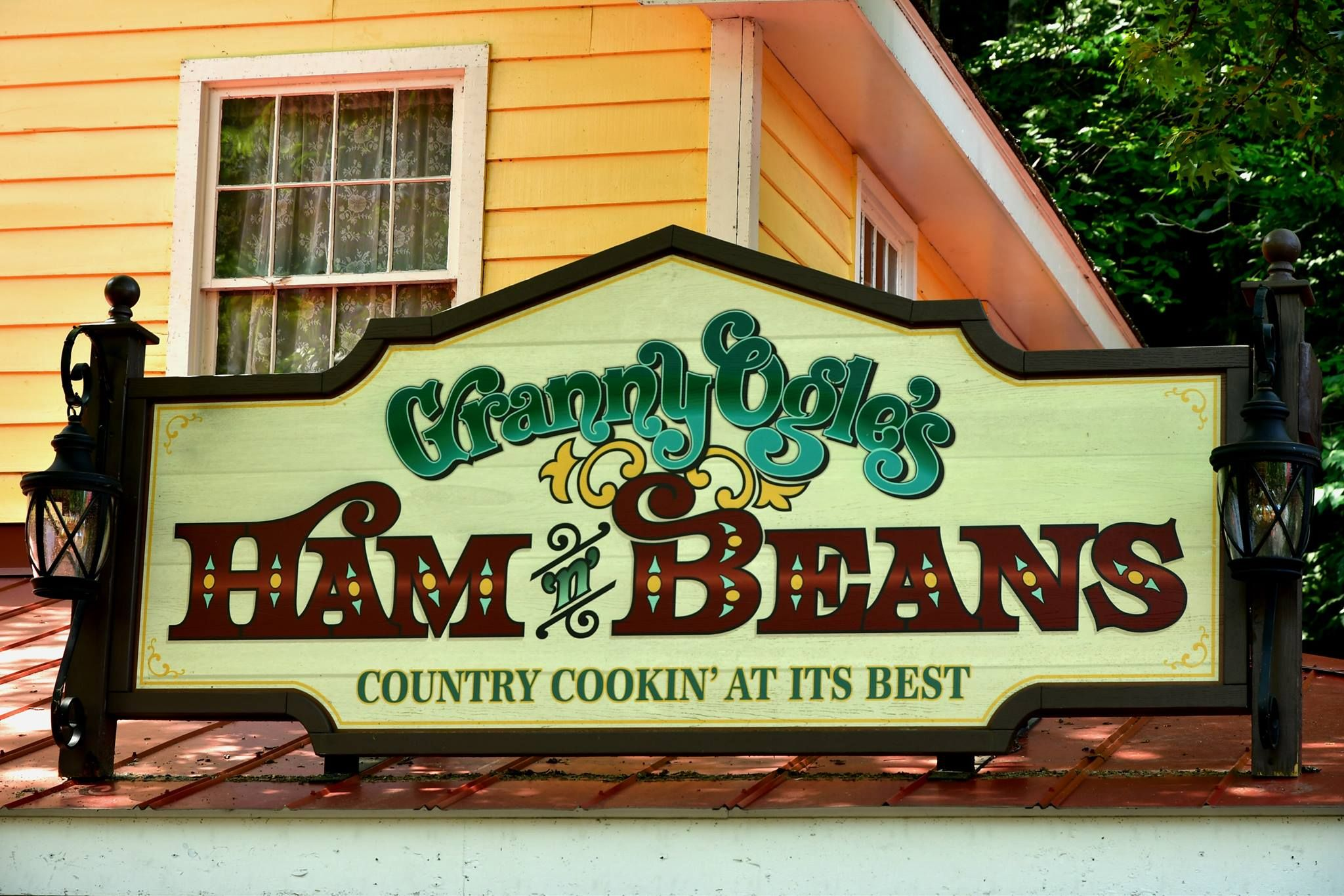 Granny Ogle S Ham And Beans At Dollywood Country Cookin