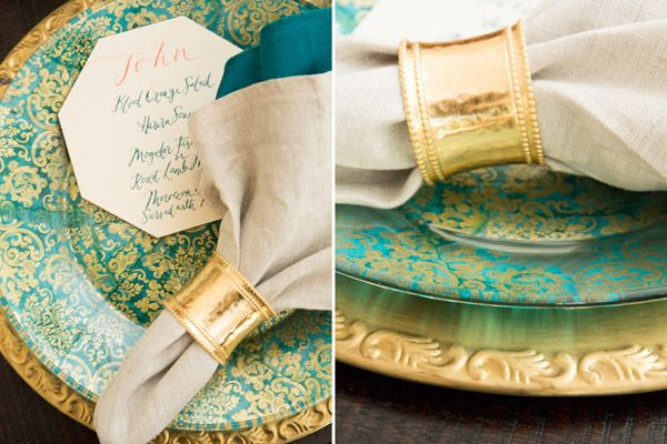 We love this octagonal wedding menu card! : paper plates for weddings - pezcame.com