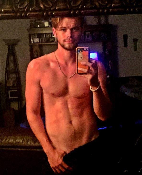 Brad pitt naked omg blog