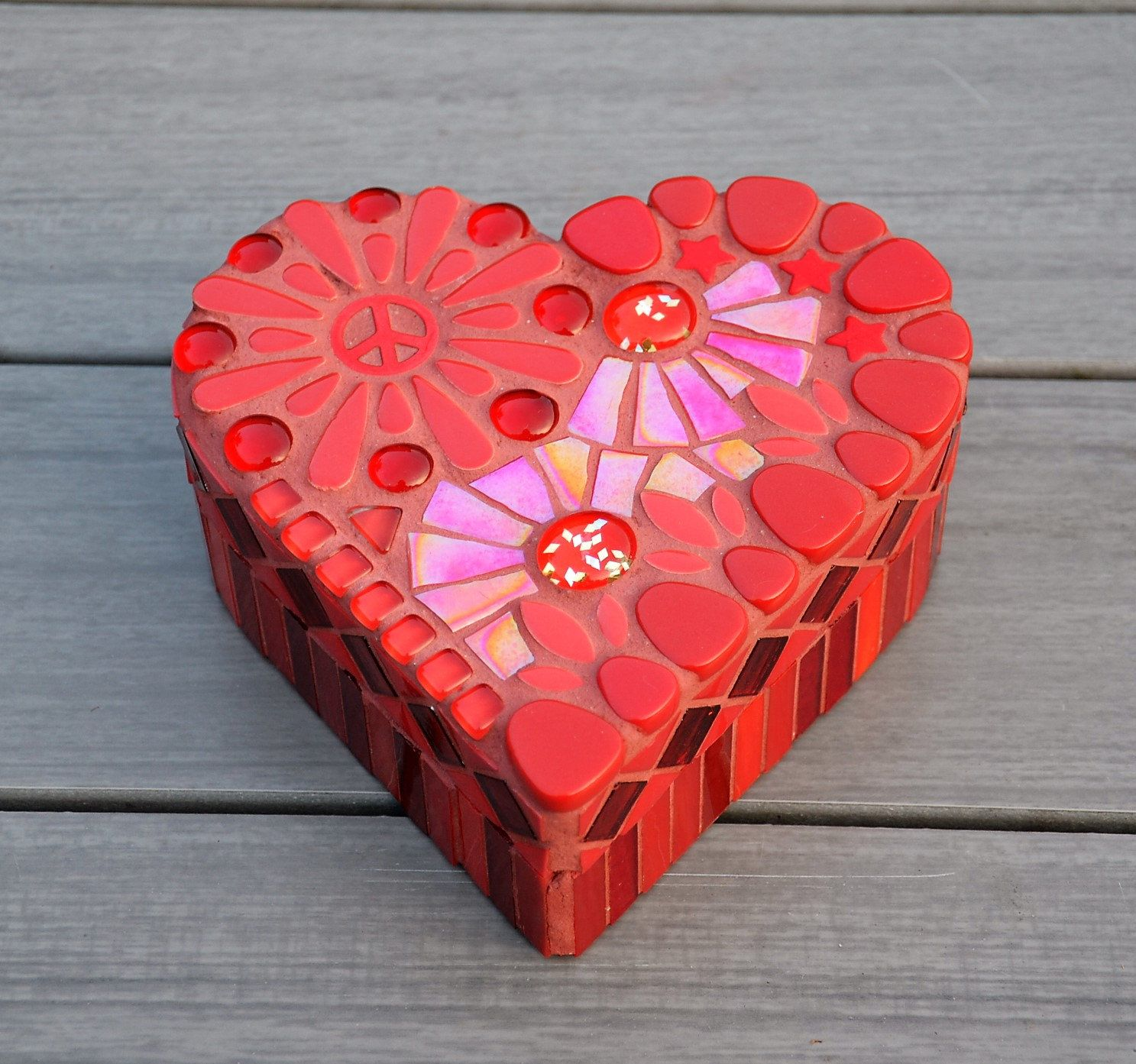 Red Glass Mosaic Heart Shaped Box Etsy Heart Shape Box Mosaic Glass Mosaic