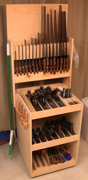 Close Grain - Nice site and cool tool rack   Woodworking - Workbench, Shop, and Garage Organization