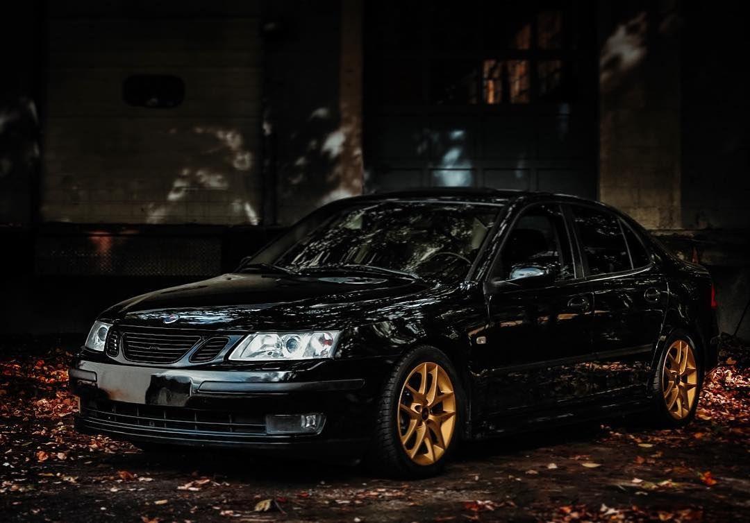 Saab Car Gold Black Leaves Lightroom Adobe Shiny Photoshop Saab93 Saab93turbo Turbo Oldbutgold Photooftheday