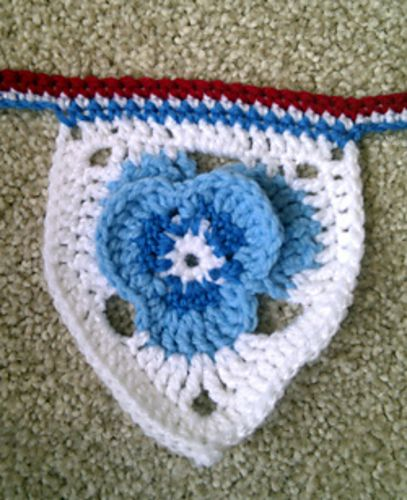 Jubilee Pansy Flower Bunting pattern by Kirsty Taylor   Guirnaldas ...