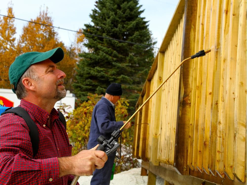 Best House Works Brightening Weathered Cedar Siding Staining 400 x 300