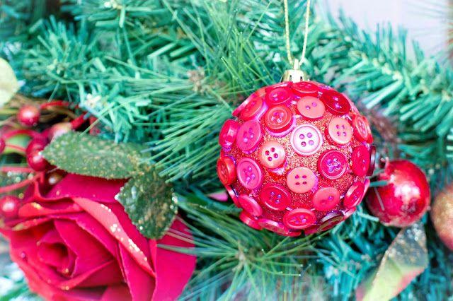Hopeful Honey | Craft, Crochet, Create: DIY Button Christmas Bauble