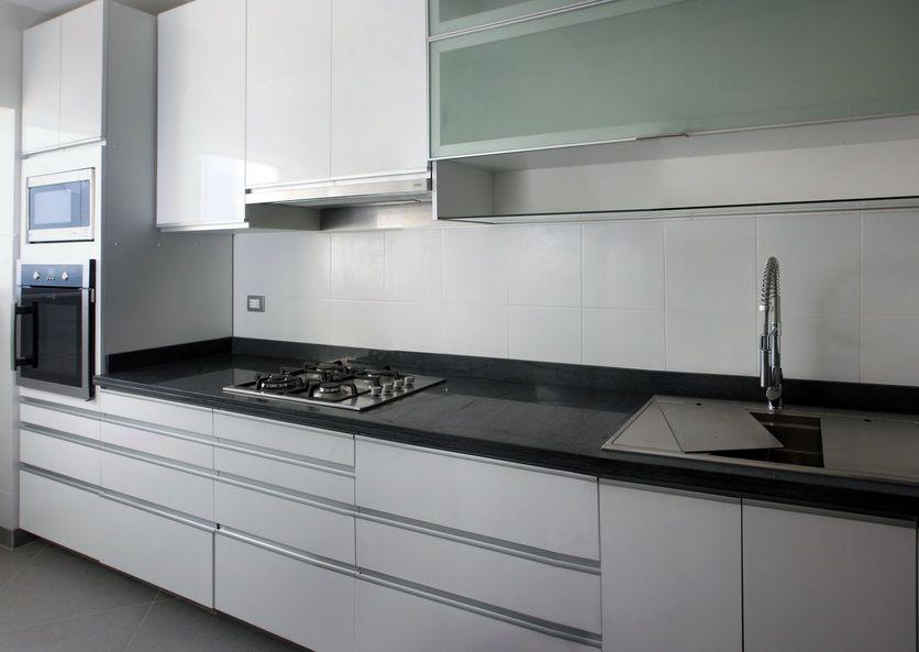 Mobiliario de cocina para departamento duplex en Edif. MIRAMAR III, Magdalena del Mar  #MueblesdeCocina #DiseñoInterior #KitchenDecor #Cabinets #DiseñoDeCocinas