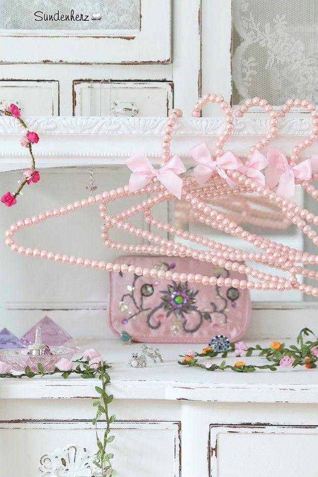 Perlen Kleiderbügel   Shabby chic crafts, Diy recycle and Craft