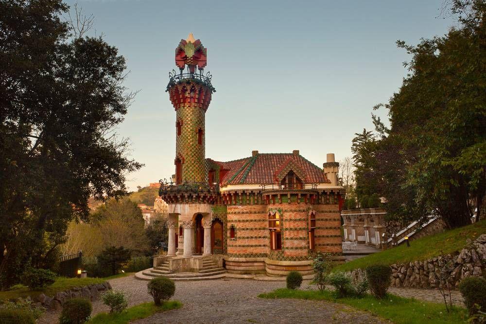 El Capricho de Gaudí , Spain | Gaudi, Arsitek, Kebun keluarga
