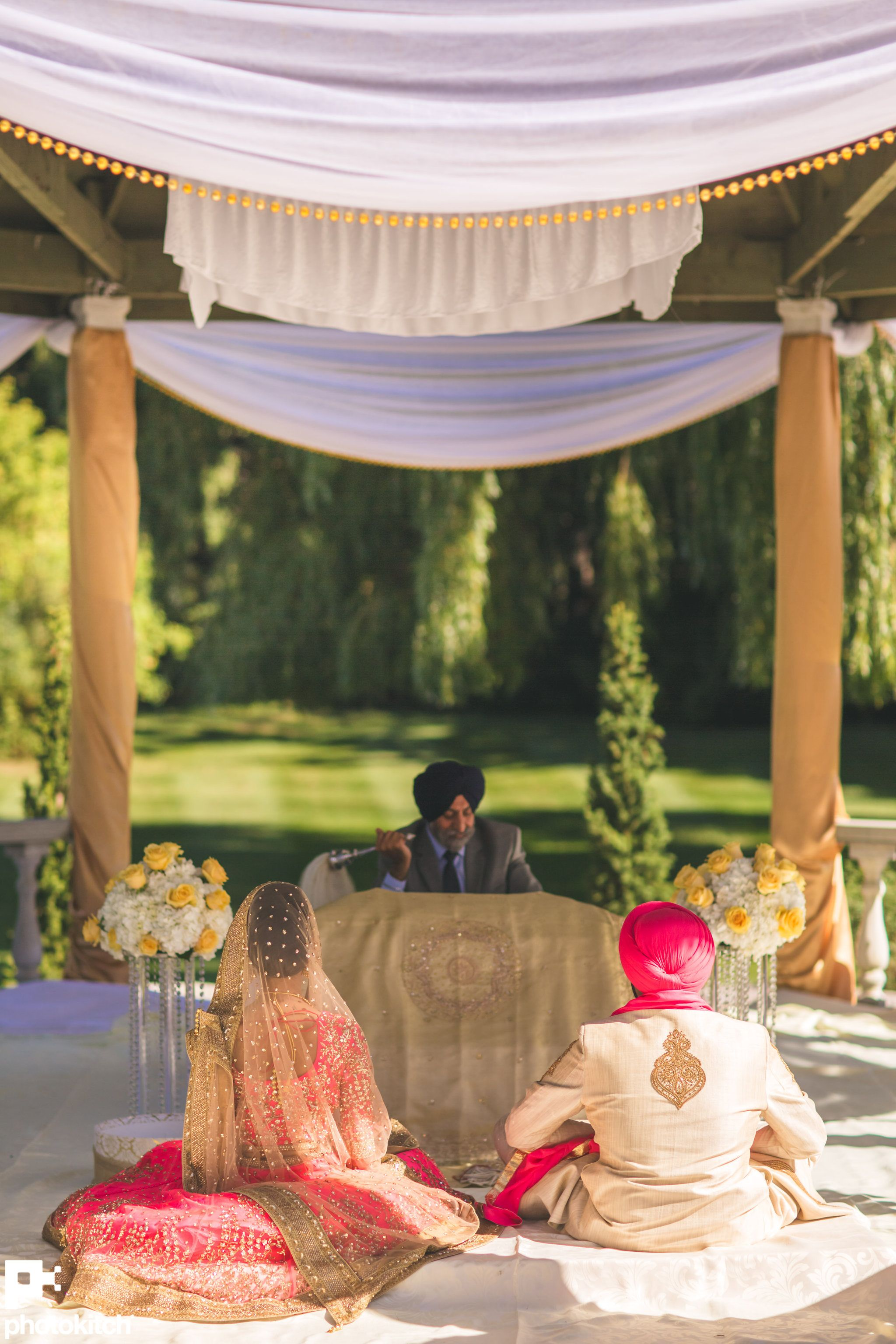 PhotoKitch photographers are experienced in Hindu Sikh
