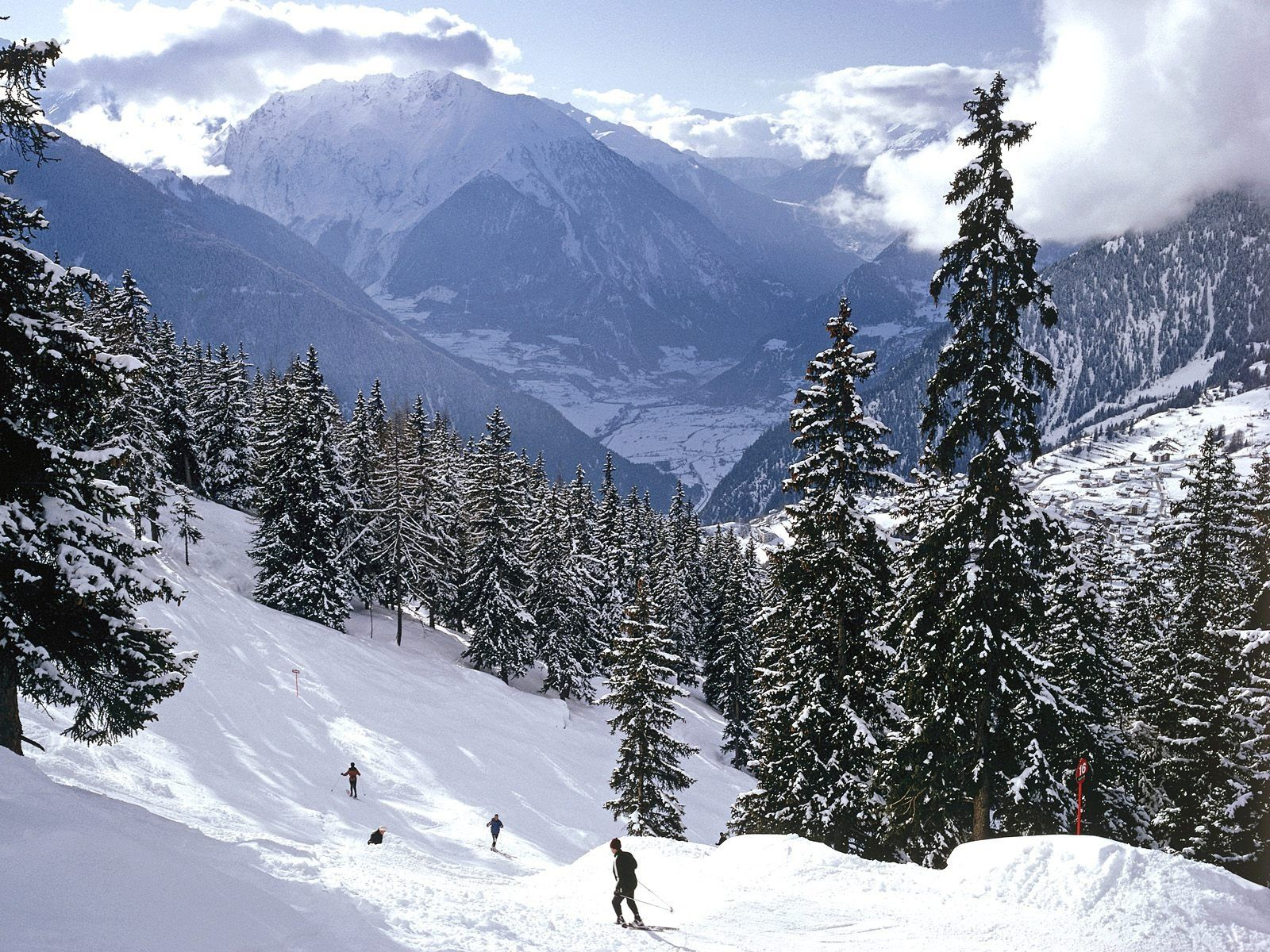 Someday I Will Ride The Swiss Alps Hopefully Sooner Than Later Swiss Alps Skiing Places In Switzerland Swiss Alps