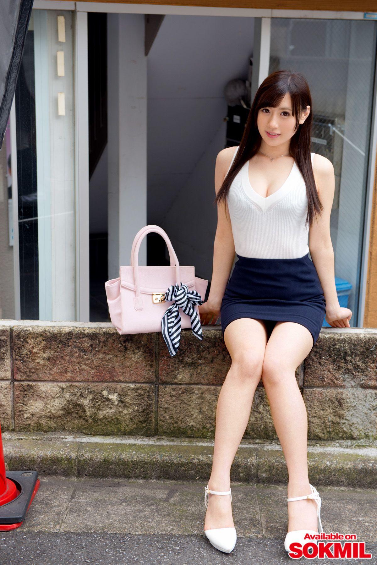 プレステージ かわいい美少女 ACT.41 上野莉奈プレステージ専属女優『上野 莉奈』が、「新・絶対的美少女、お貸しします。」シリーズに登場。素人男性宅で笑顔を浮かべながら優しく接し、色白の美麗  ...