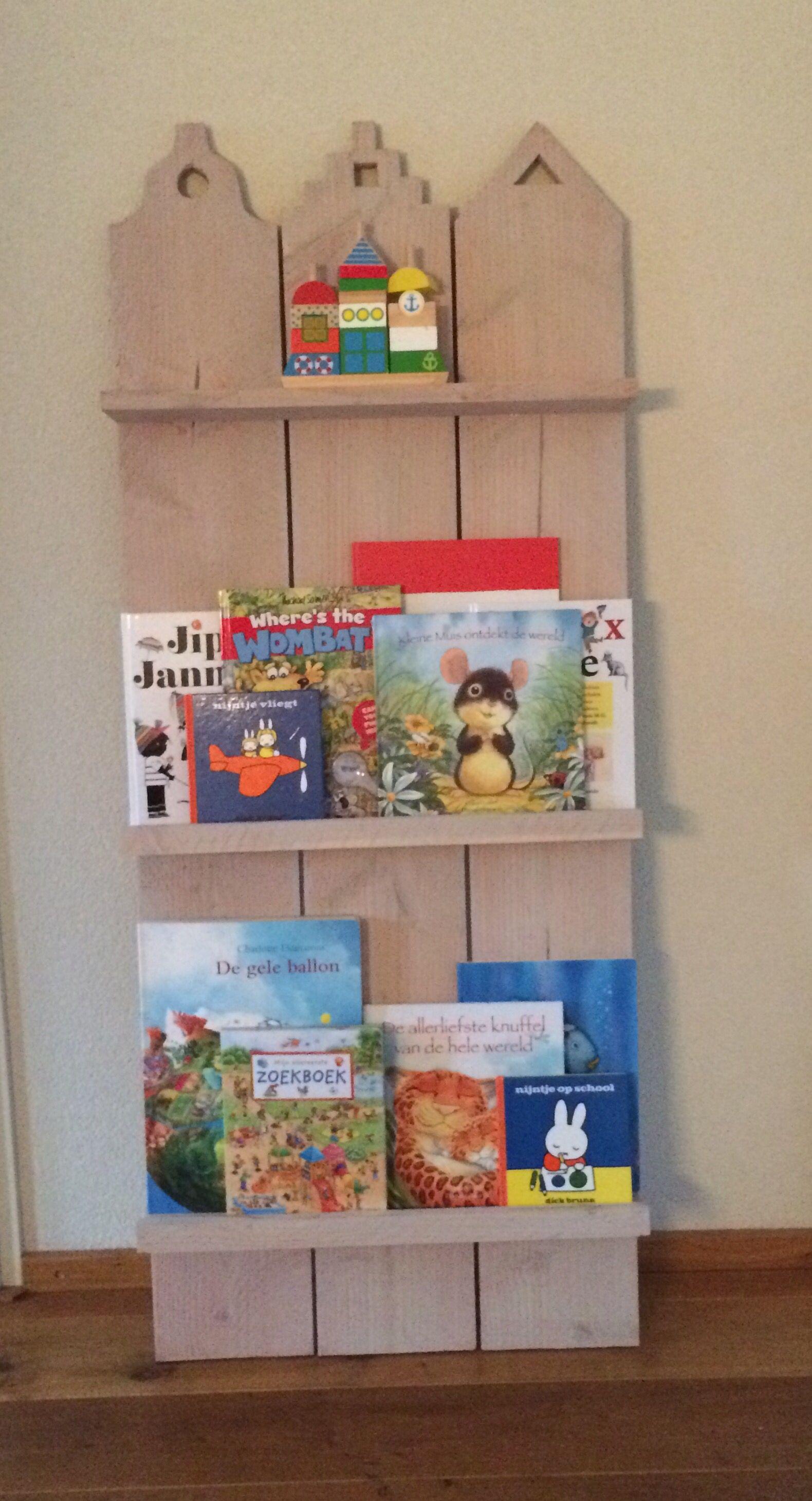 Leuk Boekenrek Voor Aan De Muur Op De Kinderkamer Gemaakt Door Hop