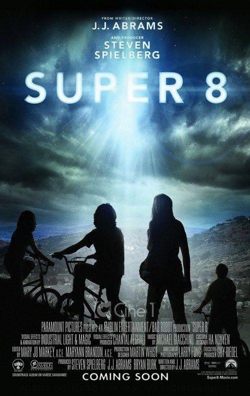 Super 8 2011 Dual Audio Hindi Bluray 480p 300mb Download Free Movie Romantic Comedy Movies Movie Posters Fantasy Movies