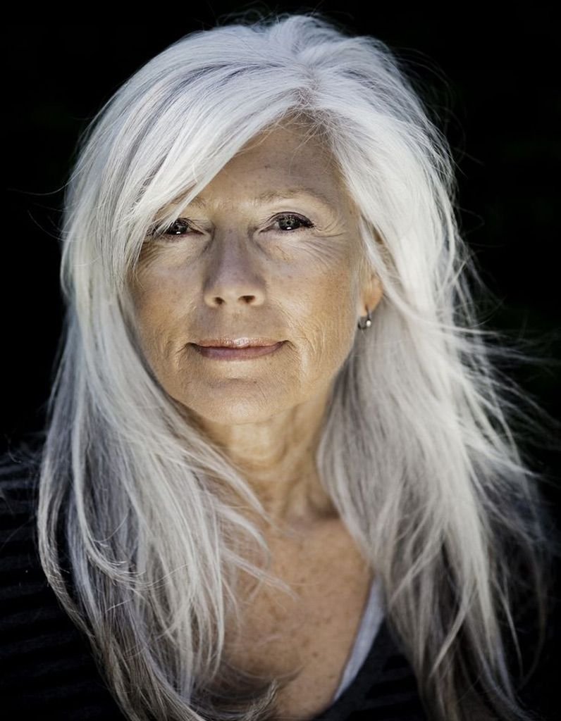 Cheveux longs blancs Coiffure cheveux longs 70 coupes