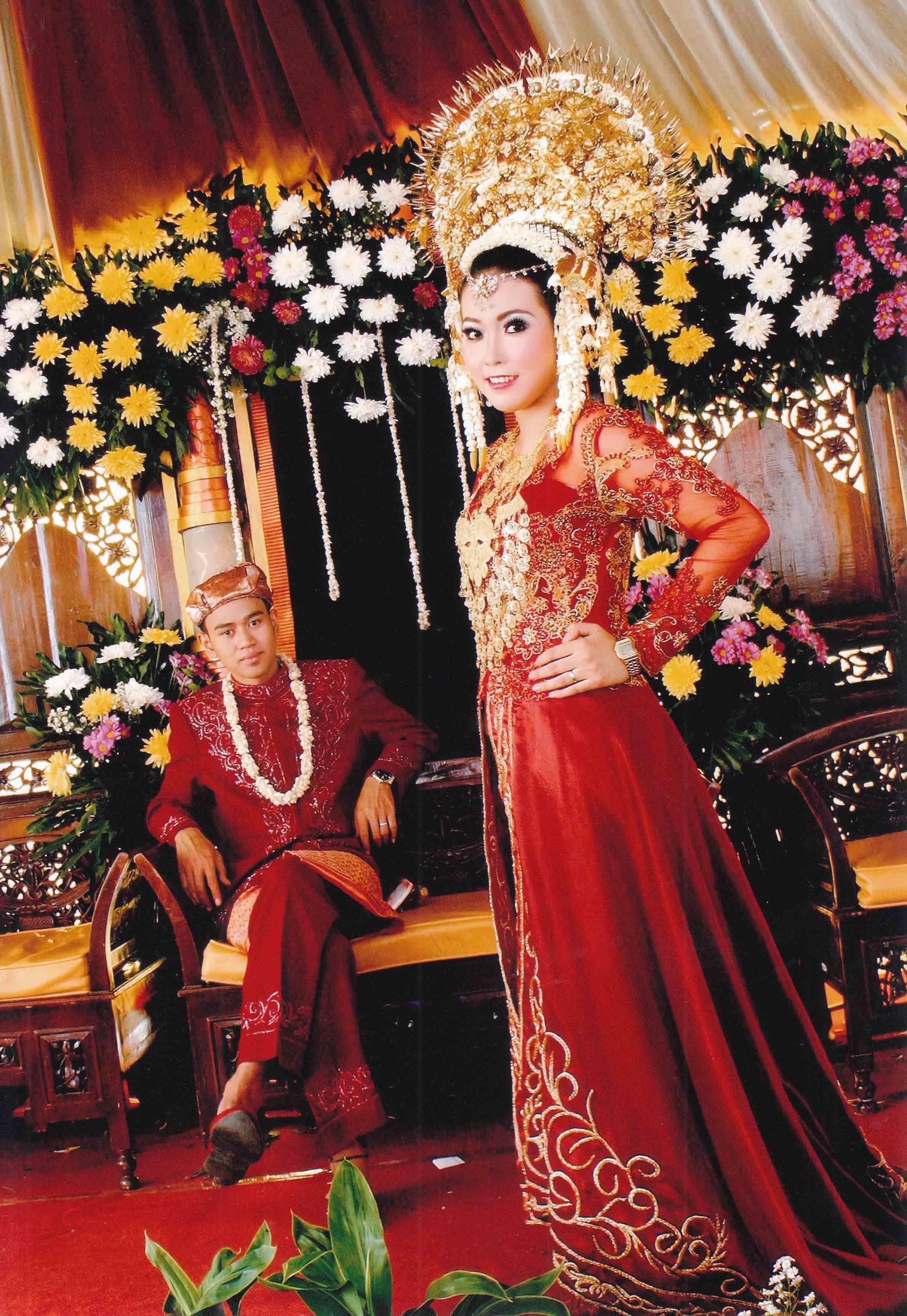 gaun pengantin adat padang  Gaun pengantin, Pengantin, Gaun