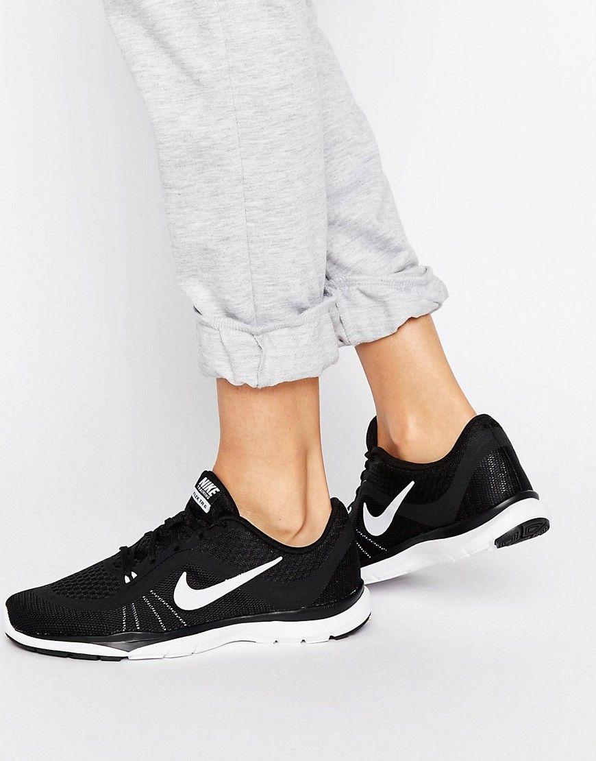 98095c683 ¡Consigue este tipo de deportivas de Nike ahora! Haz clic para ver los  detalles. Envíos gratis a toda España. Zapatillas de deporte negras Tr 6 de  Nike  ...