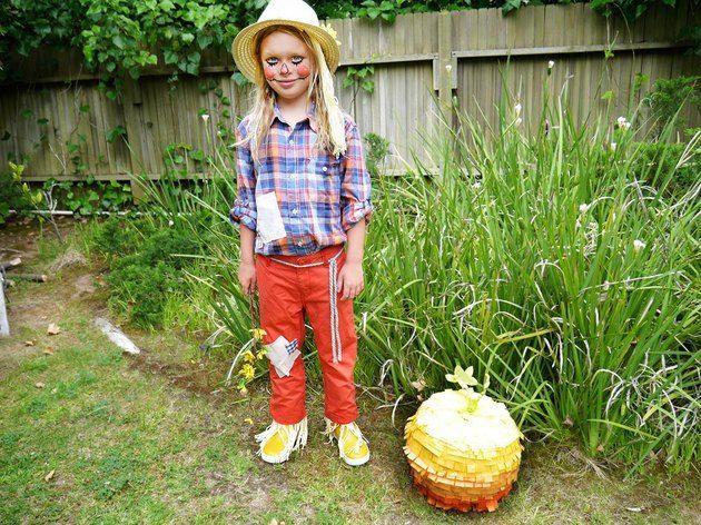 Easy Homemade Scarecrow Costume #scarecrowcostumediy Easy Homemade Scarecrow Costume   eHow #scarecrowcostumediy