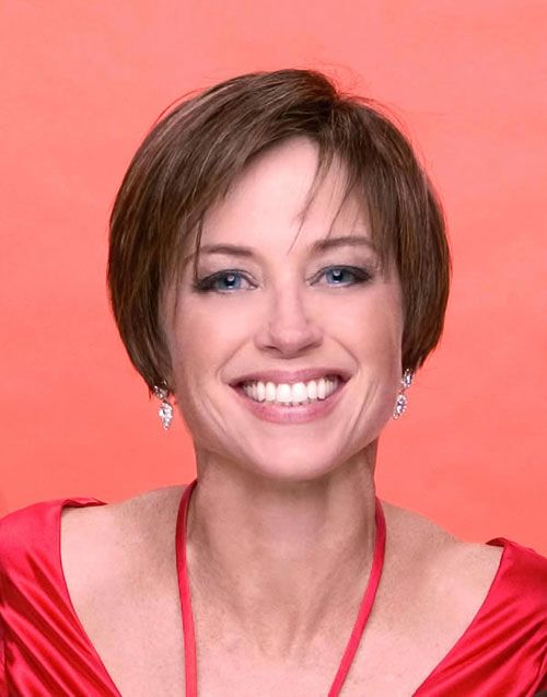 The Dorothy Hamill haircut is a carefree and low-fuss hairstyle ...