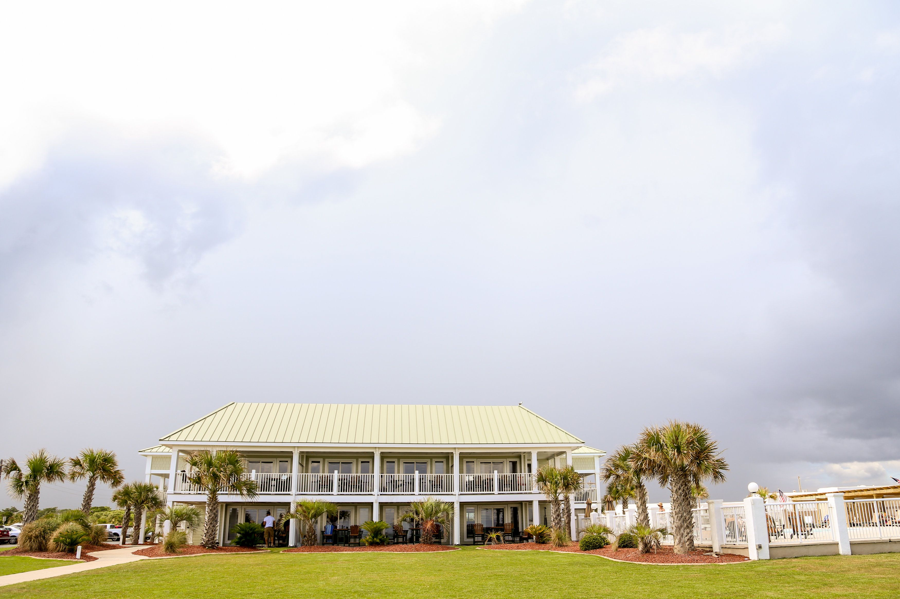 Islander Hotel Emerald Isle Nc Oceanfront Weddings Venue Bluewaterweddingsandevents Wedding
