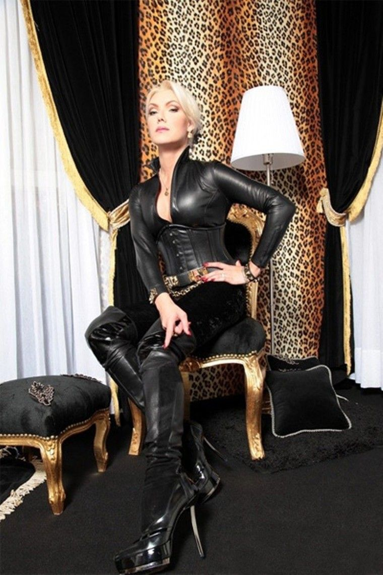 pin by leatherlover on dominatrixes in leather gloves 18