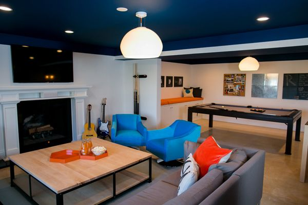 Cool teen hangouts and lounges teen hangout teen and for Teenage living room ideas