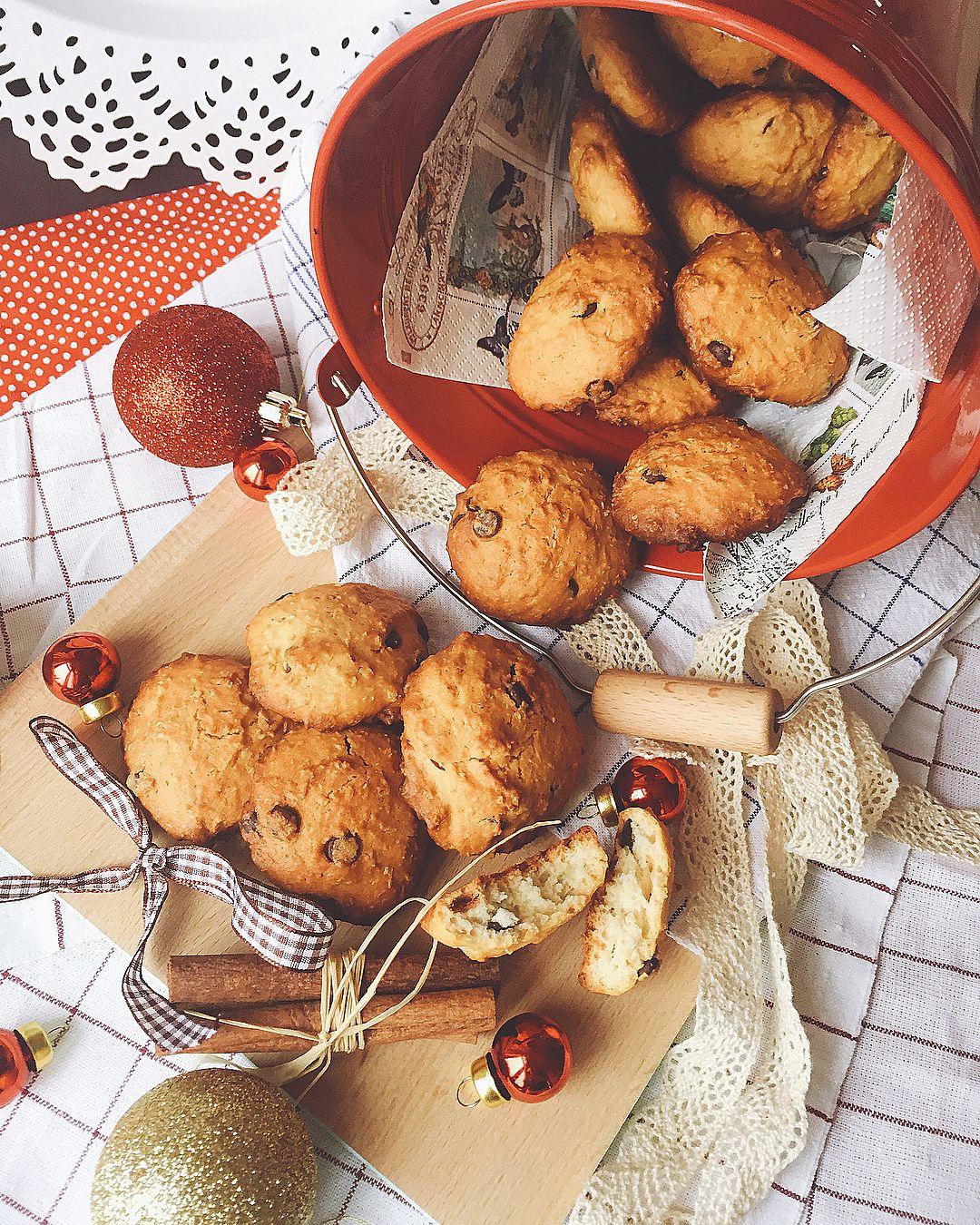 "Tanya Gardzheva on Instagram: ""Продължението на бисквитената серия е кокосово с шоколадов чипс 👌🍪😋🎄#itsthemostwonderfultimeoftheyear #christmas #christmasiscoming…"""