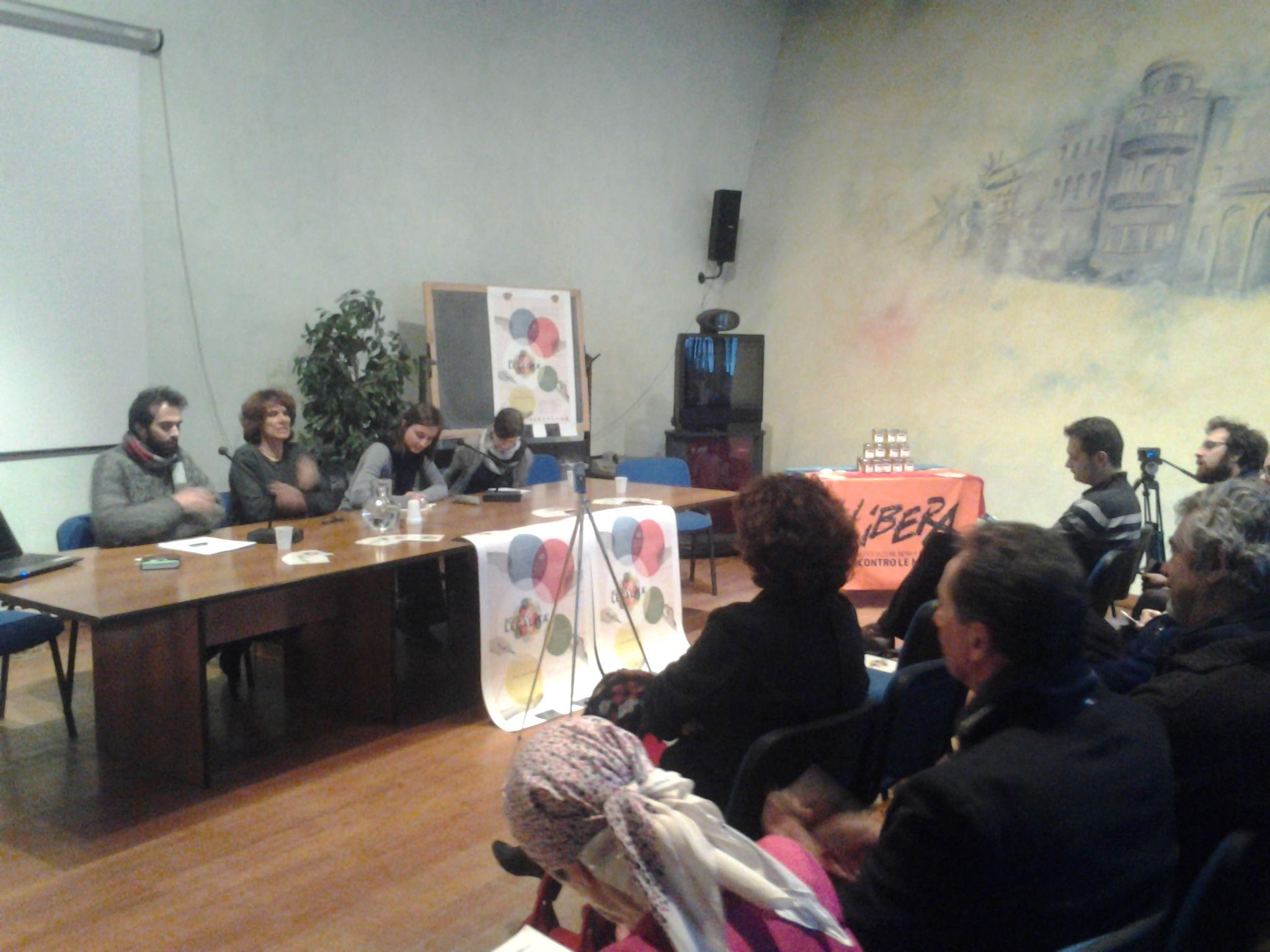Valeria Pezzotti di Cascina Caccia ha parlato di come un bene confiscato (il più grande del Nord Italia) abbia trovato nuova vita grazie alla rete di Libera e al Gruppo Abele