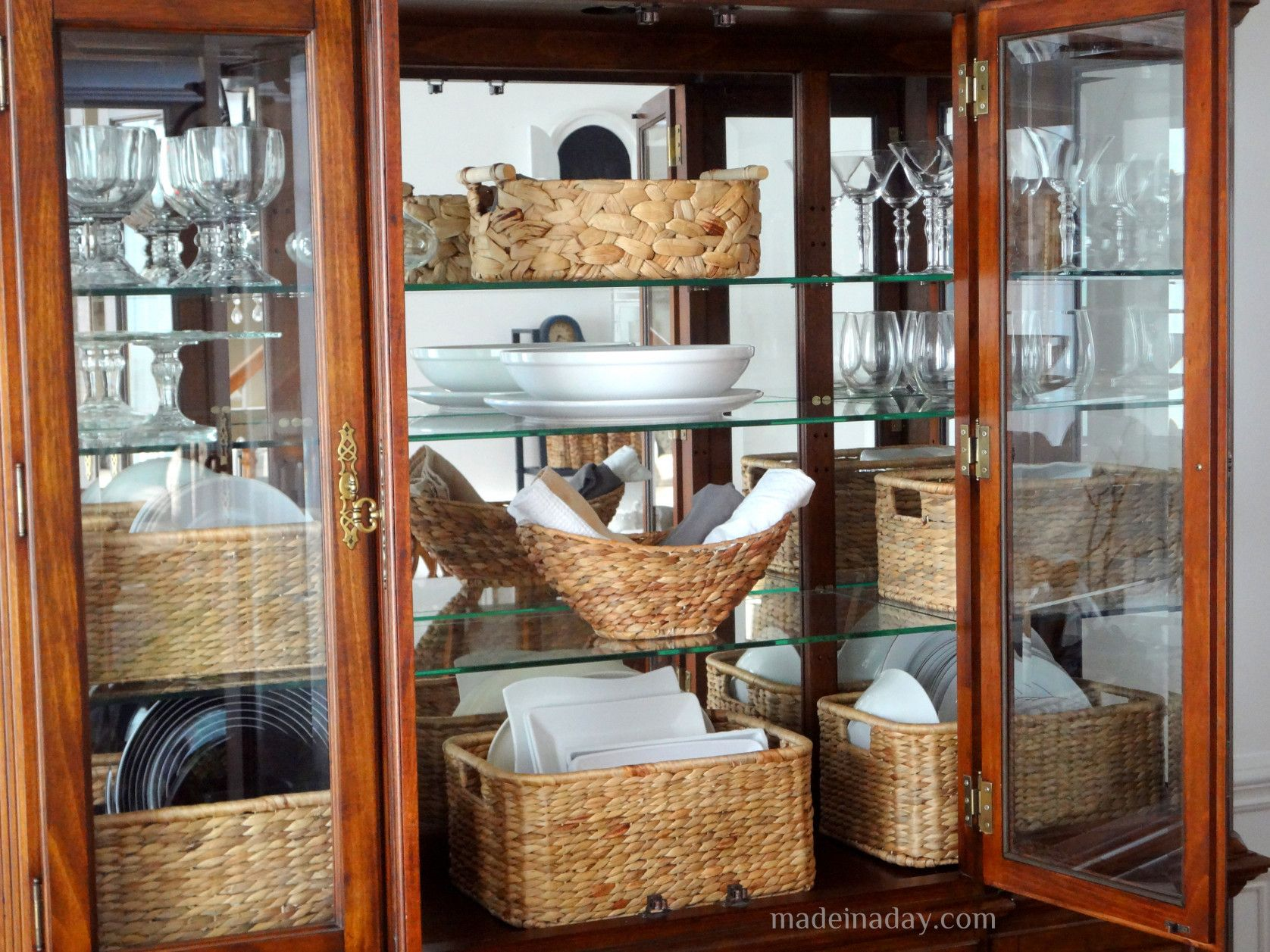 50 Modern China Cabinet Display Kitchen Design and Layout Ideas