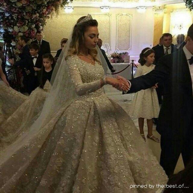 Teuerstes kleid der welt  Eines der teuersten Hochzeitskleider der Welt | Kleider ...