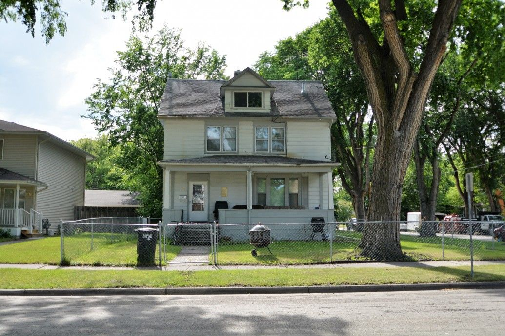 Just Listed 924 8th Street N, Fargo, ND MLS 163185