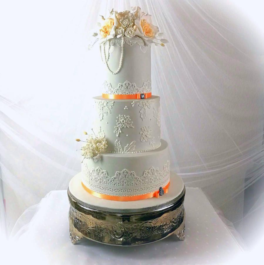 Silver Wedding.... by Larissa Ubartas - http://cakesdecor.com/cakes ...