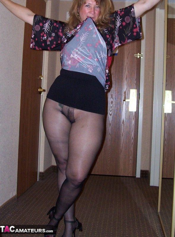 pantyhose, mature and sexy women | pantyhose bbw | pinterest