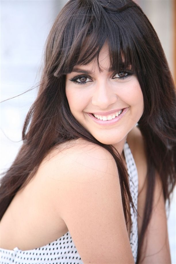 Berguzar Korel Kati Guzellik Kurallarina Meydan Okudu Turkish Beauty Beauty Beautiful Face