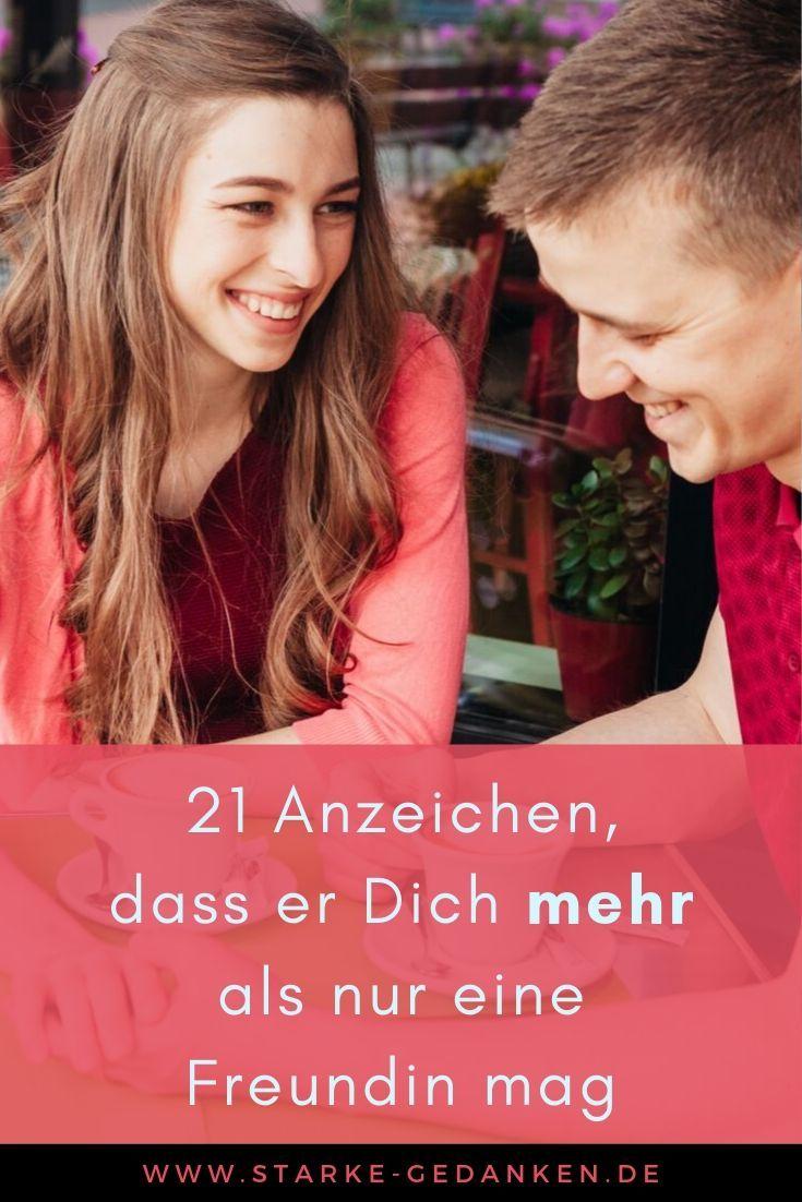 21 Anzeichen, dass er Dich mehr als nur eine Freundin mag