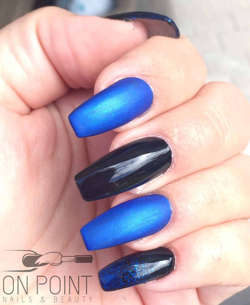 Fluid Nail Design Acrylic Nails With Black Gel Polish Blur And Royal Blue Glitter Matte Gloss Top Coat On Long Coffin