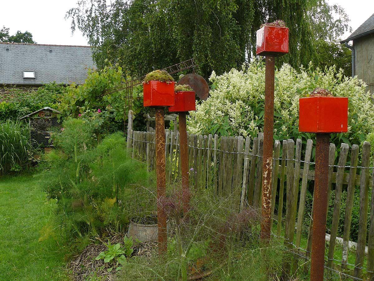 Les Jardins Rocambole 35 Arrosoirs Et Secateurs Jardinage