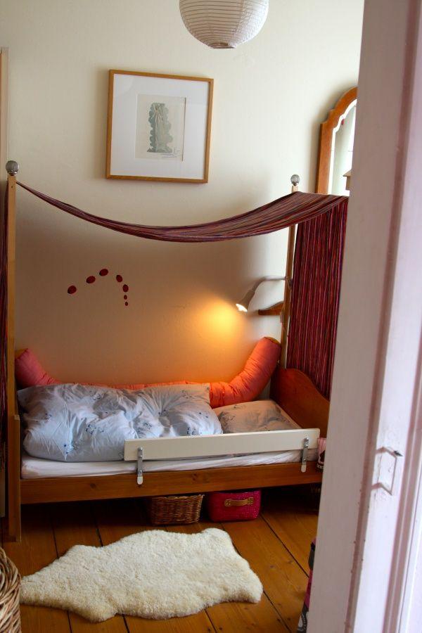 himmelbettchen zuk nftige projekte pinterest kinderzimmer bett und betthimmel. Black Bedroom Furniture Sets. Home Design Ideas