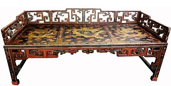 CHINESE SHAPED GILT DECORATION LACQUER THREE-RAILING LUOHAN CHUANG BED. DEPICTS TWO DRAGON PATTERN.